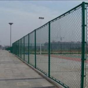 篮球场围栏网为什么采用勾花编织网呢?
